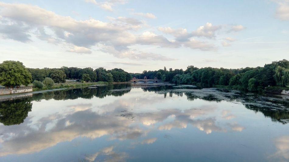 River Fluss Wasser Palmengartenwehr Richard Wagner Hain Elsterbecken Leipzig Reflection Sky Clouds Wolken Wolkenhimmel Wasserspiegelung Bridge View Water Reflections Shore Water Trees
