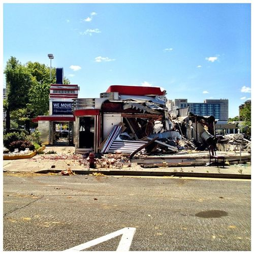 Silver Diner - the end of the line. #iphoneography #rockville #diner #takenwithaniphone #silverdiner #demolition #jomo IPhoneography Diner Demolition Rockville Jomo Silverdiner Takenwithaniphone