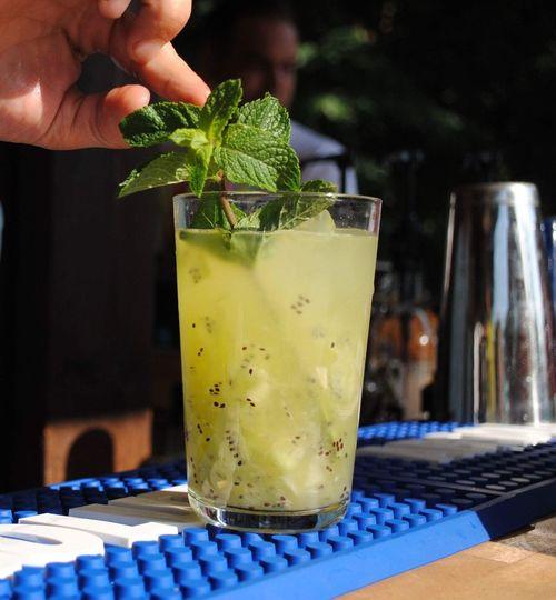 Fresh kiwi lemonade