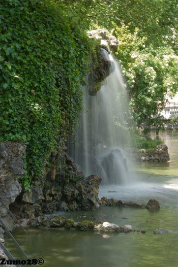 Cascada En El Parque Del Bien Retiro Madrid Agua Parque Del Retiro