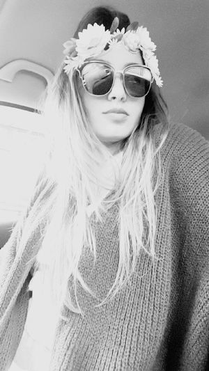 ill.i Crown Blond Hair Snapchat Will I Am Flower Black & White Kabyle Long Hair First Eyeem Photo