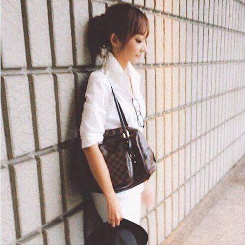 🙋♣️♦️♠️ Full Length Lifestyles Person Leisure Activity Childhood Casual Clothing Innocence Young Adult Day Focus On Foreground Me Louis Vuitton GUCCI Zara Whiteshirt  My Woman White Fashion Hat