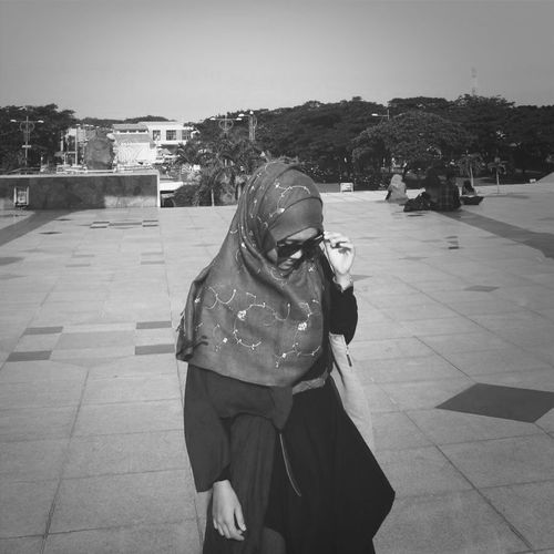 Walkaway.. Hijab Traveling Enjoying INDONESIA