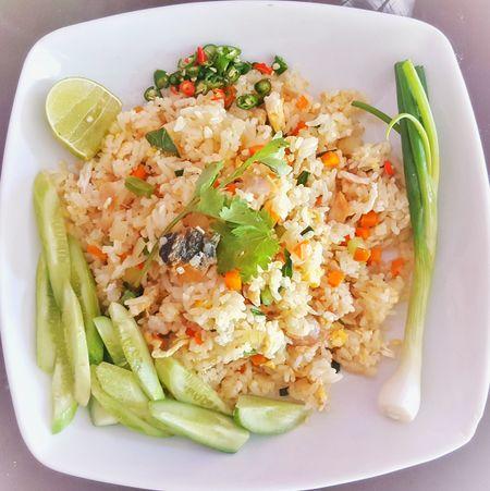 ข้าวผัดปลาอินทรีย์ เค็ม Healthy Eating Food And Drink Food Ready-to-eat Plate No People Indoors  Day Close-up Thailand🇹🇭 Bangkok First Eyeem Photo