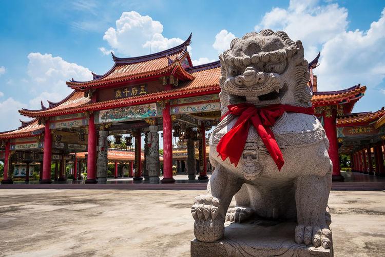 Statue outside buddhist temple