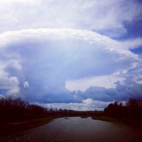 Украина♥ Закарпатье ужгород набережная независимости транспортный мост речка Уж Природа небо