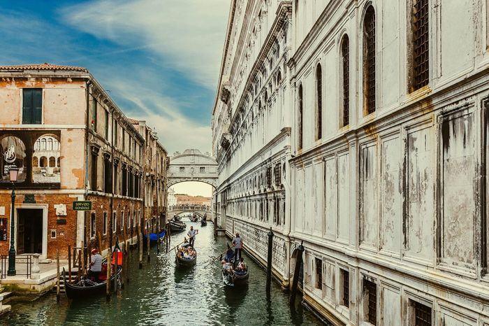 Seeing The Sights Bridgeofsighs Venice Italy Myfirstsolotrip Travel Traveler Traveling Europe European  Lovefortravel Travellover Lovethelifeyoulive