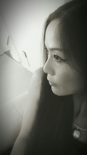 Photos Around You Take Photos Relaxing Thst's Me Feeling Sick So Tried Relaxing At Home Sweet Home Back&white  Sad Face