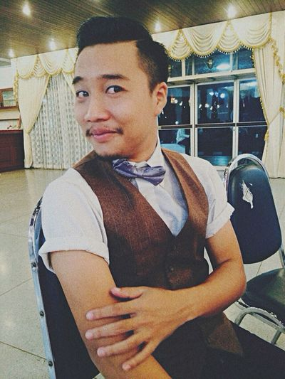Relaxing Wadding Man Vintage Haircut Bkk Thailand This Is Me Funny Handsome Lifestyle
