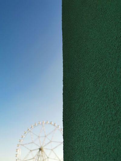mobile photography dual color Clear Sky Ferris Wheel Amusement Park Ride Sky Big Wheel Sunny