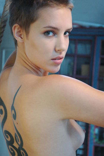 Confidence  Looking At Camera Portrait Real People Tattoo Women Young Adult Young Women