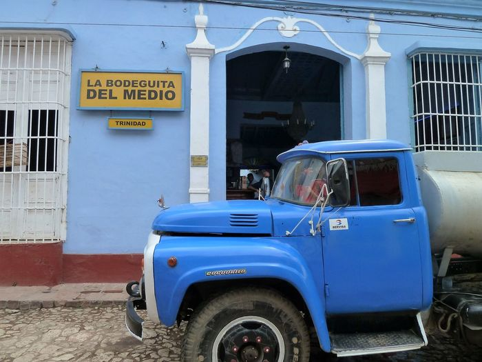 Just life: Cuba Architecture Blue Building Exterior Built Structure Car Day Land Vehicle Mode Of Transport No People Outdoors Transportation