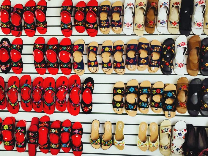 Zapatos artesanales Artisanalework Shoes Colors Travel Photography Travel Market Traditional Culture Mérida Yucatan Mexico