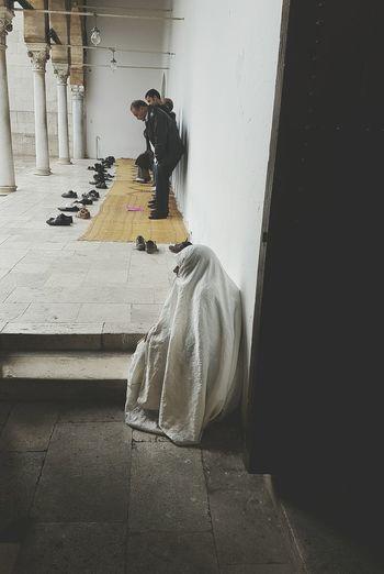 Praying Mosque Architecture Spirituality Snap a Stranger Women Around The World The Photojournalist - 2017 EyeEm Awards
