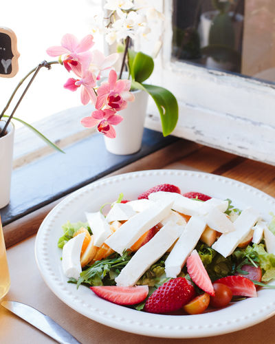 sweet beaty Salad Bowl Close-up Day Flower Food Food And Drink Freshness Healthy Eating Indoors  No People Ready-to-eat Strawberry Table Window