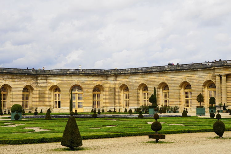 château de versailles Château De Versailles  Paris Versailles Ancient Ancient Civilization Arch Architecture Building Building Exterior Built Structure Cloud - Sky Day Grass History Incidental People Lawn Nature Outdoors Plant Sky Spring The Past Tourism Travel Travel Destinations