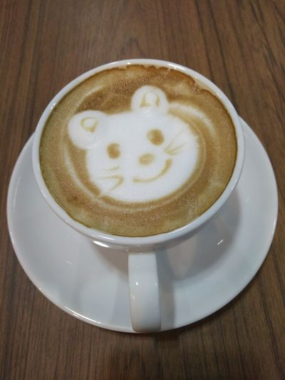 Refreshment Drink Table Food And Drink Wood - Material Frothy Drink No People Indoors  Cappuccino Close-up Froth Art Freshness Latte Day Oppo Smartphone Oppo Photographer OPPO Late' . Latte Indoors  Cup Coffee - Drink Coffee Cup Minimouse Mouse🐹