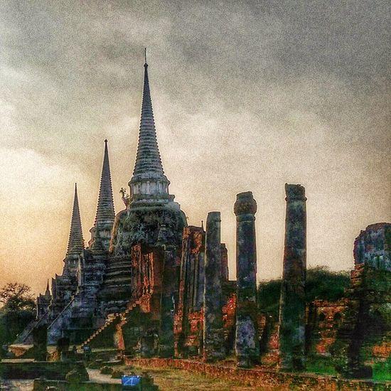 chedi Photowalktheworld Thailand Ayutthaya Buddhist Temple Ancient Civilization Place Of Worship Spirituality Religion Ancient History Pagoda Architecture Sky Building Exterior Old Ruin Civilization The Past Archaeology Ancient History Historic Amphitheater