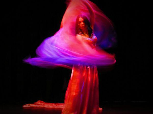 Dancer Danza Arabe Theater