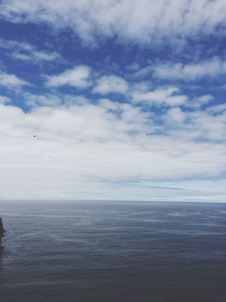 sea, horizon over water, tranquil scene, scenics, beauty in nature, tranquility, sky, nature, water, cloud - sky, idyllic, outdoors, no people, day