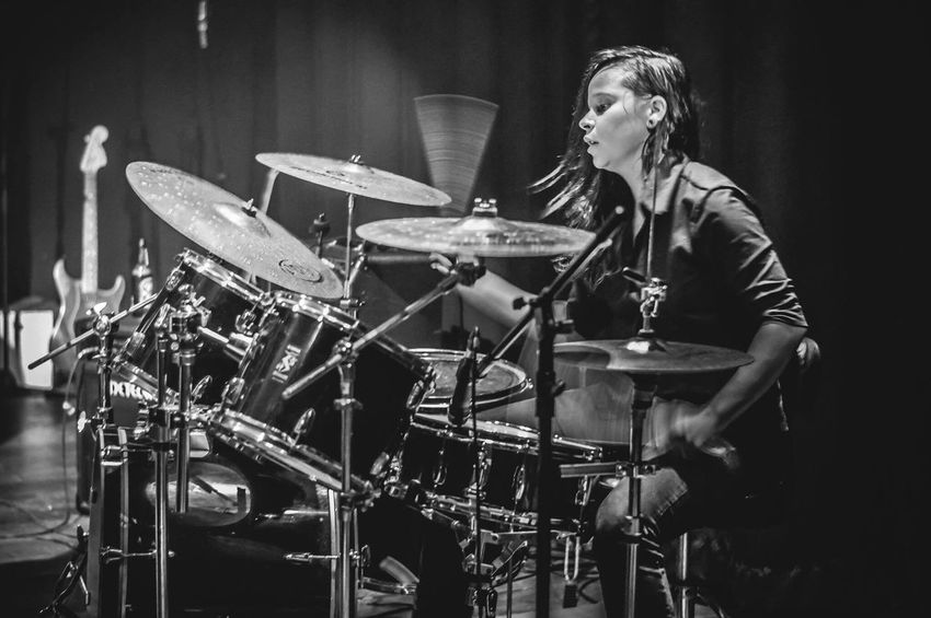 Ruth Rosa ( Canto Cego ) por Karen Tribuzy Drums Drummer Music Musican Blackandwhite Black And White Brazil Brazilian Braziliangirl Photooftheday Capture The Moment Capturing Freedom Capturing Movement Registration Photo