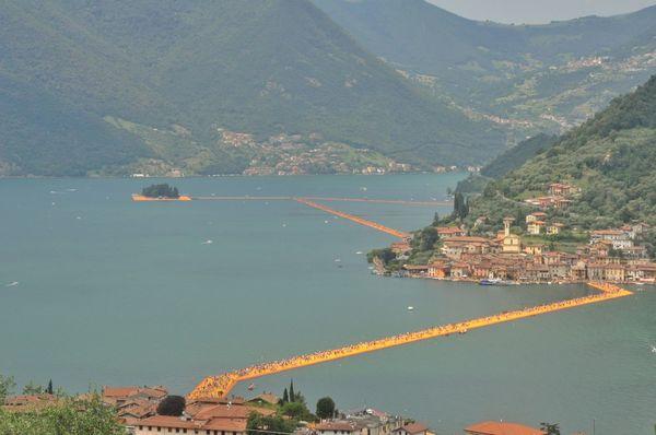 Lago D'Iseo Floating Piers Sulzano Christo Christo And The Floating Piers Christo & Jeanne-Claude