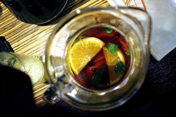 Уютный вечер Lemon Food And Drink Citrus Fruit Indoors  Lime SLICE No People Fruit Drink
