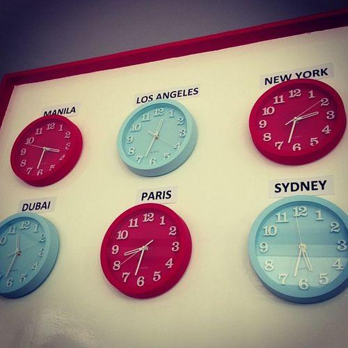 Lovely wall clocks on the wall! @rona0929 @alemarolita