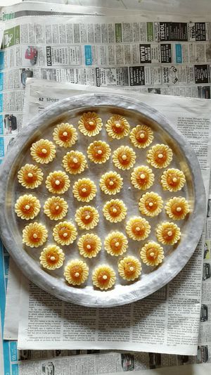This is what I used to eat (which is my favourite desserts) during Eidul-Fitr. It is called pineapple tart (tart nanas in malay) Surely it's everyone's favourite. Pineappletart Eidmubarak Malaydish Foodporn Malaysian Food KuihTartNenas Momscooking