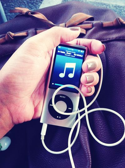 listening music while im waiting with my bestfriend