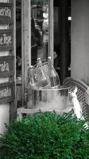 Es la hora de descanso, relajación y delicias... I know that you know what I'm saying. 😋 Day Outdoors Bottles Restaurant Ice Bucket Condensation Plant Window Glass Reflection Inviting Black And White In Camera Color Extraction Photography