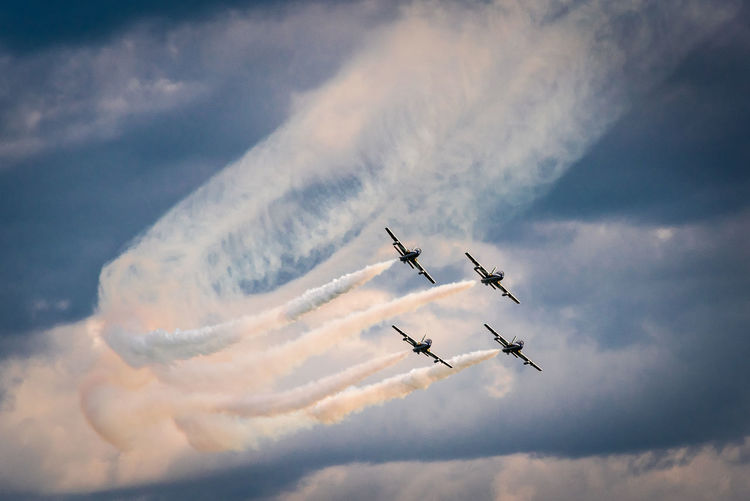 Doha Air Show 2018 Cloud - Sky Air Vehicle Airplane Flying Mode Of Transportation Sky on the move Transportation Teamwork Airshow Motion Plane Cooperation Fighter Plane Low Angle View No People Smoke - Physical Structure Nature Day Mid-air Order Outdoors Vapor Trail Aerospace Industry Aerobatics