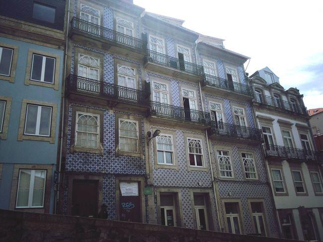 Porto PortoLovers Urban Urbanphotography Urban Lifestyle Typical Houses Houses Blueandwhite Portugal Portugal_lovers
