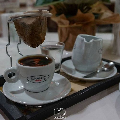 Depois um Cafecoado Coffeelovers Coffee Cafecoadonahora no franscafe hummm delicioso gourmet instapic instaphoto franscafé coffeetime cafe café delicious delish yummy oishii fotografiadecomida foodpic foodlovers horadocafé