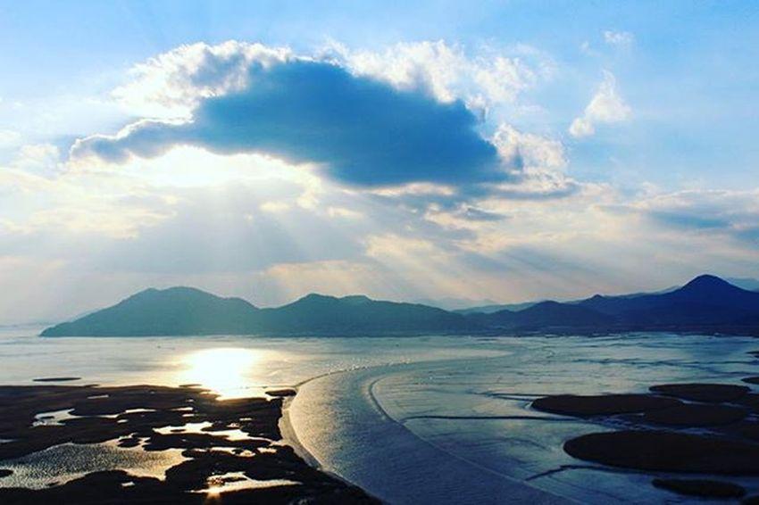 ⛅ 구름꽃, 빛줄기. 순천 순천만 갈대 Suncheon 순천만생태공원 일몰 용산전망대 Suncheonman 순천여행 Travel Trip 자연 풍경 Landscape 빈카메라 Bincamera