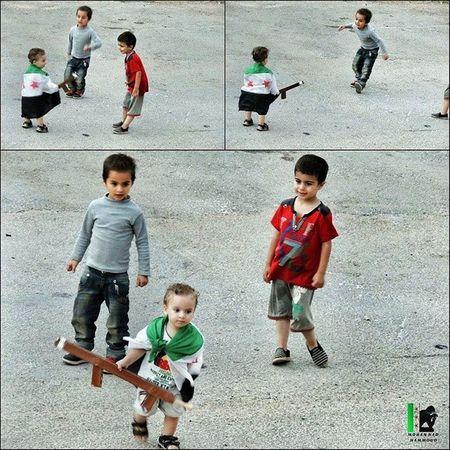 ويل اللي يتحدا ويله.. ويل اللي ناوي يقاتل :D . فراس وكريم وطارق :) . حمص سوريا Homs Syria