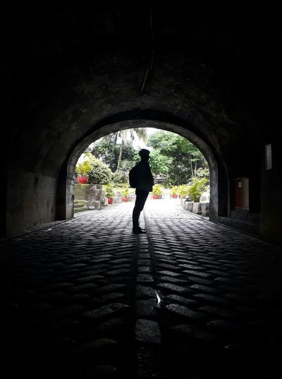ARC132ACT1 Nuartapp Portrait Contre-jour Distance Symmetry Tunnel Man Wondering First Eyeem Photo