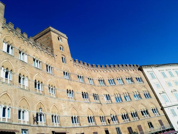 Architecture Building Exterior Building And Sky Buliding Visions Buildinglover Buldings Different Perspective Different View Blue Sky Del Campo Di Siena Siena..❤ Italy🇮🇹 Sohan Tuscany Historical Building Piazza Del Campo. Siena Capture Berlin Finding New Frontiers The Architect - 2017 EyeEm Awards Been There.