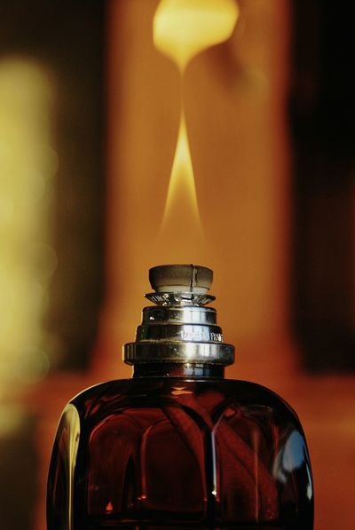 Feuer Flamme Duftkerzen Duftlampe Lampe Berger Fire Flame Perfumedcandle Scented Lamp Scented Candle Darkred  Glas Glass Reflection Reflection_collection Reflected In Glass Reflektion Bold Neons, Bright Pastels No People