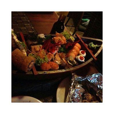 E depois do cineminha, pra finalizar a noite, comida japonesa Comele Smpjuntos TudoMudou NaoTemComoDarErrado Lov