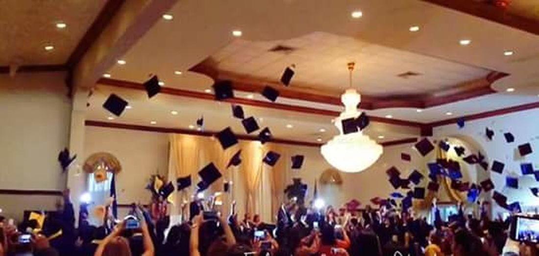Celebration Camaradecomercio GRADUACION ❤ People Idp Birretes Al Solet Event Illuminated CONGRATS🎉🎈🎈🎉🎉 congrats