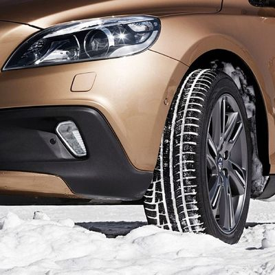 Snow Winter Volvo V40 CrossCountry VolvoCarShowroom Stockholm VolvoCars VolvoCarCorporation