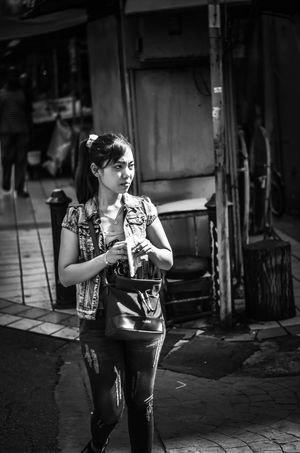 street photography Menthoel_phonegraphy Welerypothography Kendalpotography Street Yogyakarta Photography