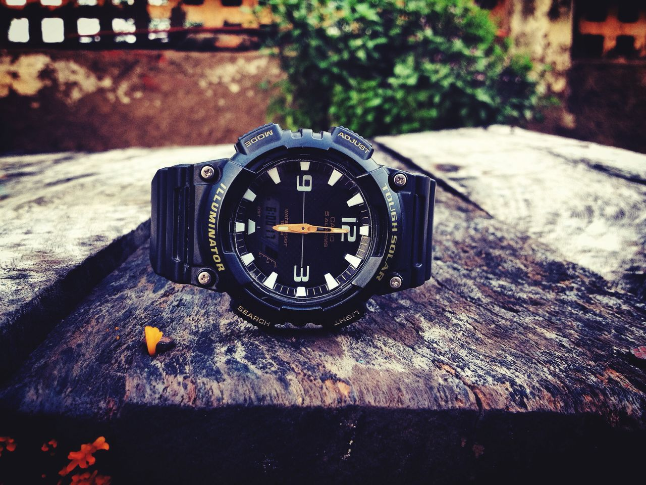 no people, time, focus on foreground, clock, table, close-up, day, outdoors, clock face