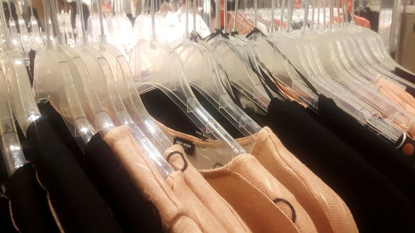 Clothing Retail  Fashion Store Hanging Large Group Of Objects Sale No People Variation Clothing Store Indoors  Fashion Photography Oberteile Fashion Winter Herbst Woolen Coat Hangers Kaufhaus Kleiderbügel Indoors  Coathanger Consumerism Close-up Day