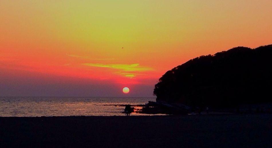 Sunset Great Views Amazing Beautiful 日本100選に入ってる夕陽の名所。さすがです。あんなに大きな夕陽を見たのは初めてです❁