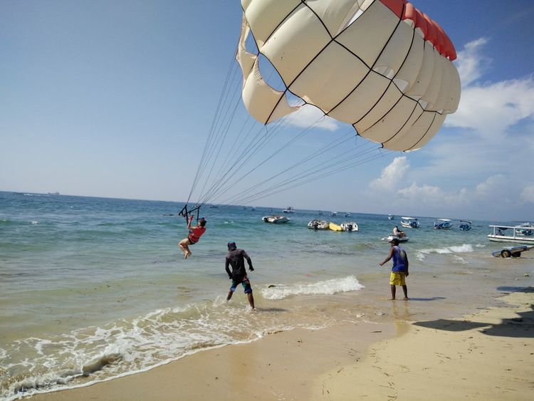 Coastline Day Enjoyment Fun Horizon Over Water Leisure Activity Lifestyles Nature Outdoors Scenics Bali, Indonesia Tanjungbenoa Nusadua Shore Sky Sport Summer Tourism Tourist Travel Destinations Vacations Water Wave Watersports Parasailing