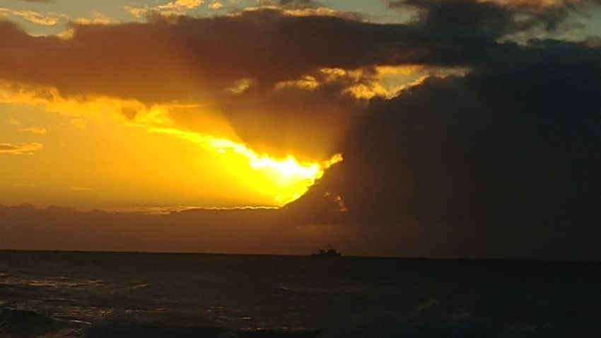 sunset surprises Kauai Hawaii Ocean WOW Outdoors Ocean Photography Blessed  Home My Eyes Are Grateful Boat Sunset Power In Nature Sunset Sky Landscape Extreme Weather