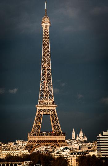 City Of Love Eiffel Tower EyeEm Best Shots Paris Paris Beautiful Day Sacre Coeur Skyline The Week on EyeEm Tour Eiffel City Cloud - Sky Eiffelturm Metropolis Rain Clouds Tower Travel Destinations Wonderful Light