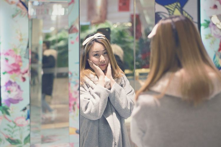 My Year My View When girl meet mirror Reflection Fashion Women Lifestyles Portrait Clothing One Woman Only People Females One Person First Eyeem Photo